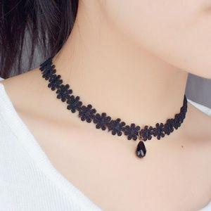Black Daisy Necklace